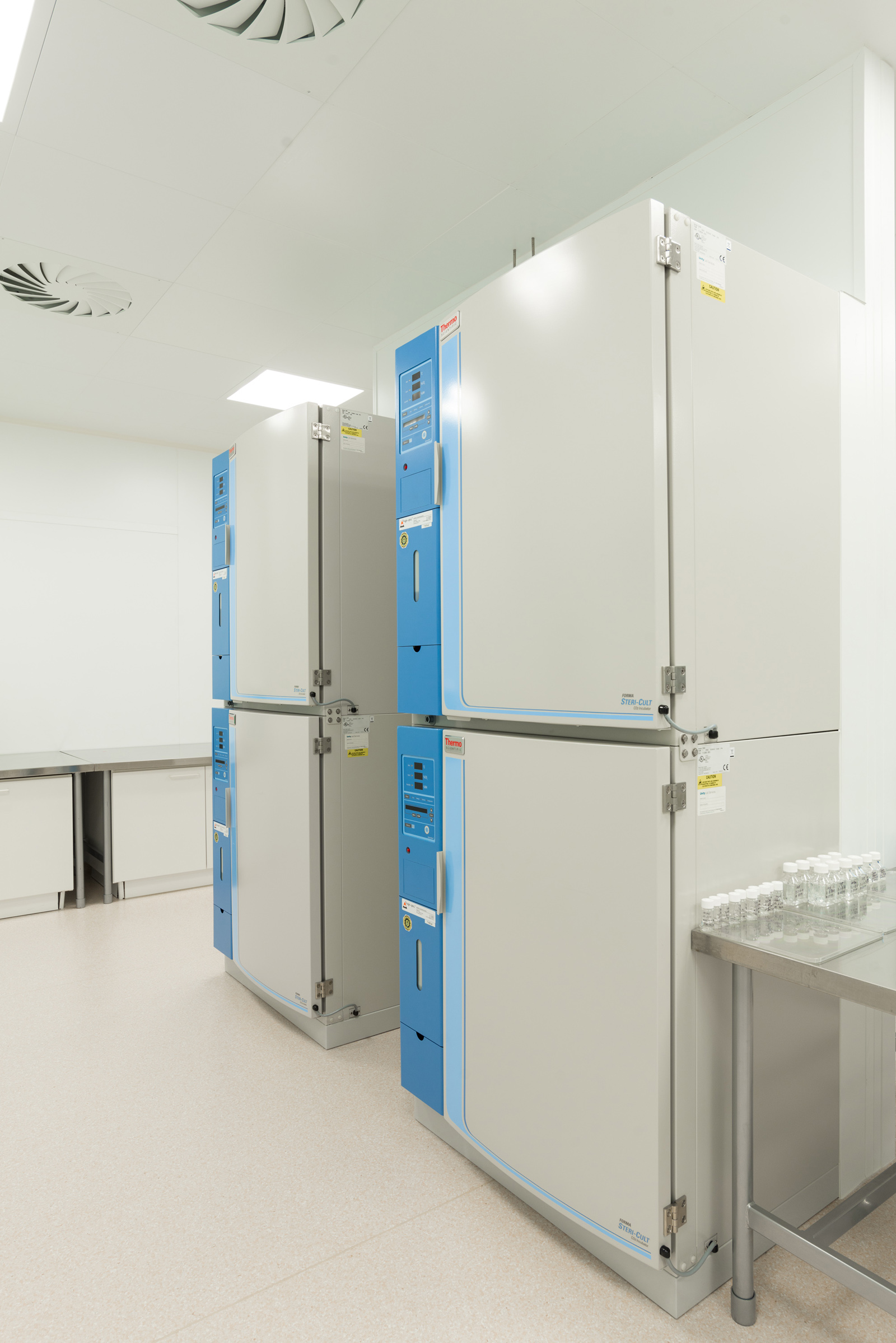 inkubátory v čistých výrobních prostorách