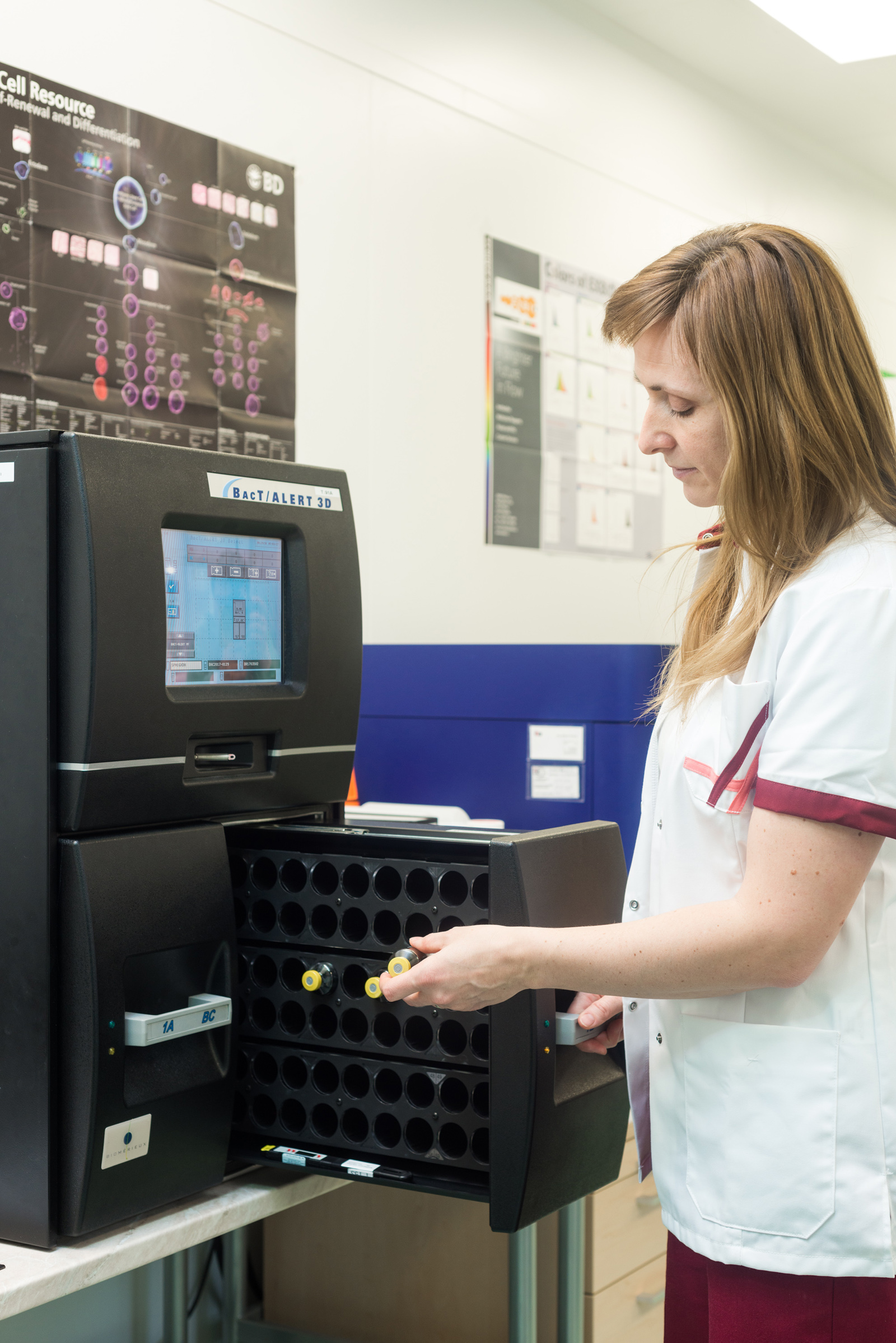kontrola kvality - mikrobiální kontrola odebrané pupečníkové krve pomocí systému BacTALERT 3D