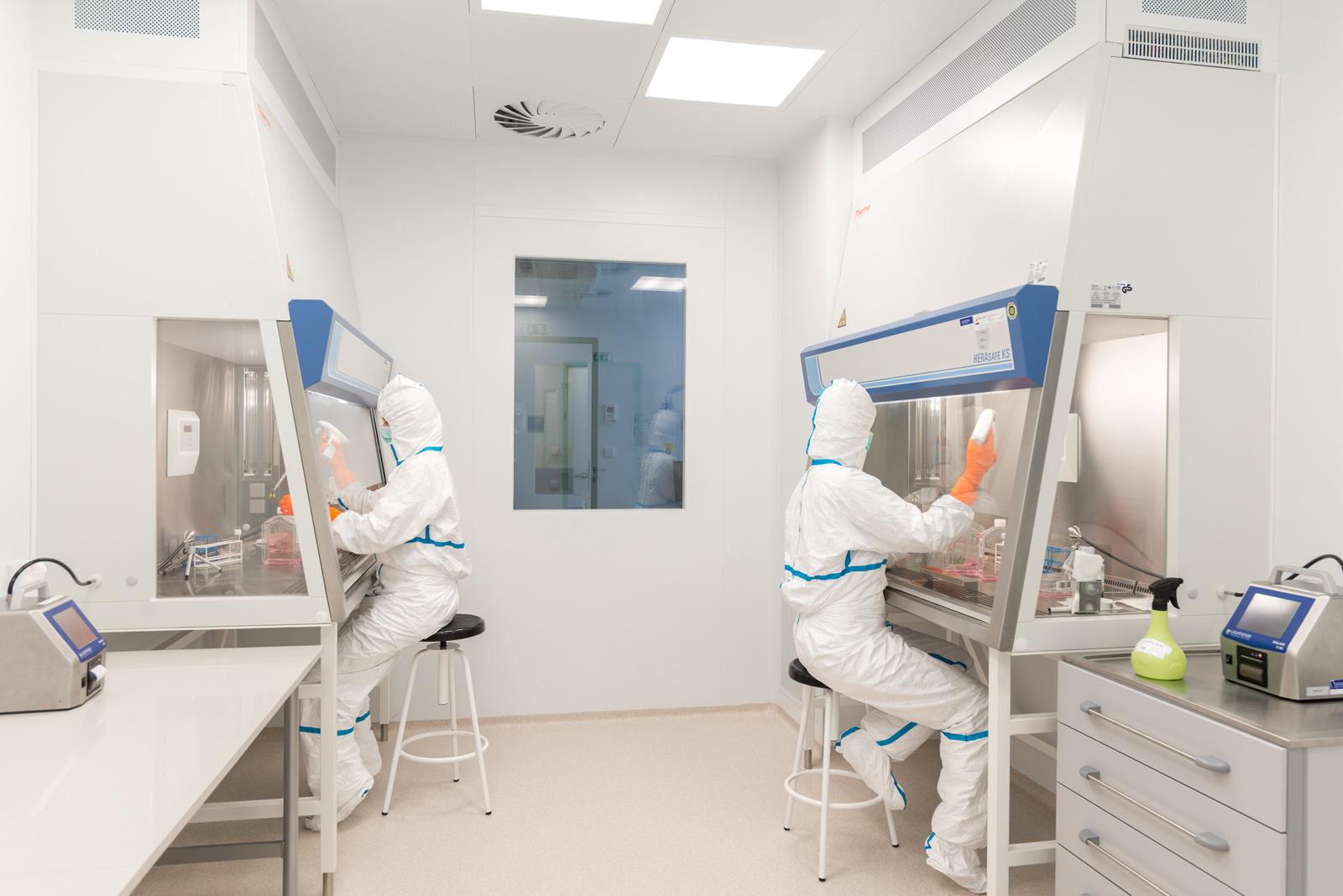 laboratorní práce v nejvyšší třídě čistoty